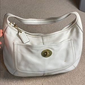 💕 Coach creme leather x-large wide hobo bag 💕